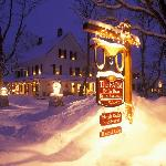 Authentic New England B&B- 70 scenic acres - sleigh & winter horseback rides, snowshoeing on-sit