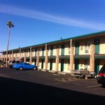  outside view of Windsor motel