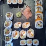 makis saumon + California Rolls (CR) Saumon + CR Niko