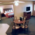 Photo de AmericInn Lodge & Suites of Valley City