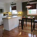  Fully equipped Kitchen with eating area