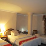 The triple room with 1 queen+1 twin+1single beds