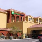 ‪Holiday Inn Express Hotel & Suites‬