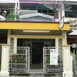 Hello Guest House resmi