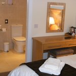 Twin ensuite room