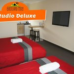  Studio Deluxe