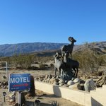 Entrance to the Borrego Springs Motel