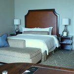 The St. Regis Houston resmi
