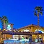 Holiday Inn Express Rancho Mirage Night