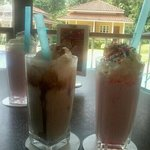 vanilla choc milk shake + strawberry milk shake @ orange cafe kamalodge