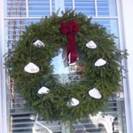  Qniquely Maine wreath on the windows (note the clam shells on the wreath)