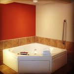  king jacuzzi suite