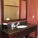 Bath -- Hampton Inn, Lincolnton, NC