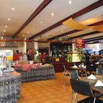  Restaurant and breakfast buffet