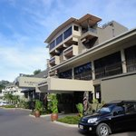  Ela Beach Hotel Port Moresby