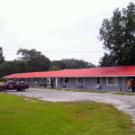 Tall Pines Motel