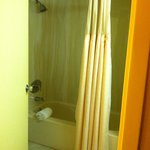 Holiday Inn Middletown - Bathroom
