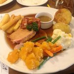 Pork roast, vegetable and the best chips