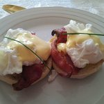  Breakfast; eggs benedict