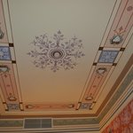  le tres beau plafond de la chambre
