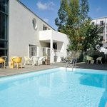 Univea Suites Saint Nazaire - Swimming Pool