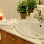 Univea Suites Saint Nazaire - Bathroom