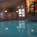  Econo Lodge pool