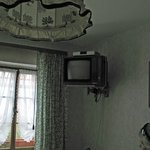  tv up in corner