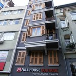 Photo de Fullhouse Boutique Residence