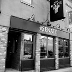 The Senate Sports Tavern and Eatery Foto