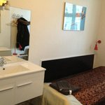  slightly different angle of sink.mirror and bed