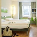 Photo de ibis budget Aachen City