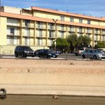 Foto van Embassy Suites Phoenix Airport at 24th Street