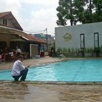  nice pool, in front of the breakfast resto....