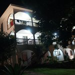  El hotel de noche