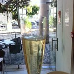 New peoducto at Vandog - Portuguese, Spanish and French Sparkling Wine in a cup.