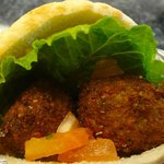 falafel in pita