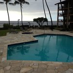  Ocean front pool and BBQ area