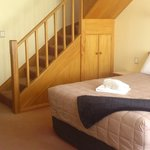 Villa Attic: Queen downstairs, two single beds upstairs