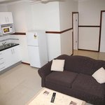 Across Country Motor Inn - 1 Bedroom Apartment