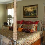  Charleston Room/King Bed