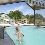  Piscine chauffe couverte SPA