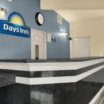 Days Inn Yosemite Lobby
