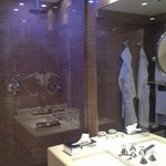  bathroom deluxe spa room