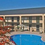 Baymont Inn &amp; Suites Murfreesboro