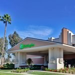 Holiday Inn Hotel &amp; Suites Anaheim (1 BLK/Disneyland)