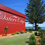 Waters Edge Boutique Hotel