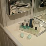  Nice toiletries - but no tissues