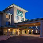 CountryInn&Suites Middleton ExteriorNight