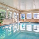 CountryInn&Suites ElkGroveVillage Pool